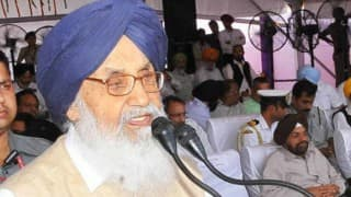 Parkash Singh Badal urges  Narendra Modi to review Chandigarh Administrator move