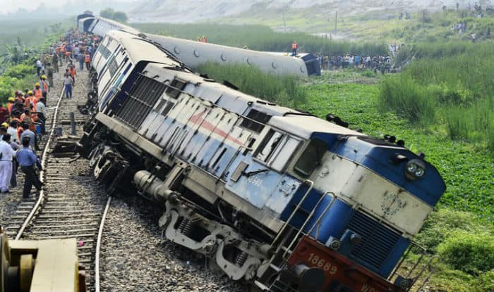 Railways, PNR, irctc availability, Railyatri, indian railways train status, Railway app, indian railways pnr