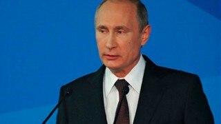 Vladimir Putin arrives in Crimea after Ukraine incursion claims