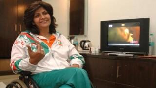 अमिताभ, हेमा ने दीपा मलिक को बधाई दी