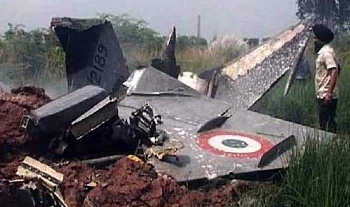 MiG-21 fighter jet crash-lands in Indian-controlled Kashmir