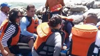 Salman Khan spotted river rafting in Manali while shooting for Tubelight! See pictures