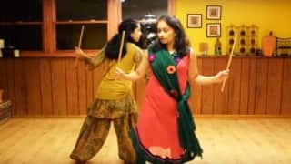 How to dance Garba: Learn Dandiya in 5 Simple steps for this Navratri 2016 - WATCH VIDEO