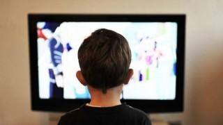 দিনে ১৫ মিনিটের বেশি টিভি দেখলে গবেট হয়ে যায় শিশুরা, বলছে গবেষণা