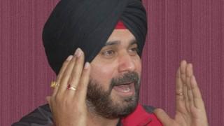 Navjot Singh Sidhu decides against floating political party
