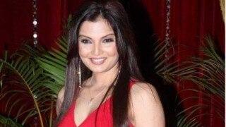 अभिनेत्री दीपशिखा ने की पुलिस से शिकायत