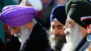 Armed men occupy Sikh temple in the UK