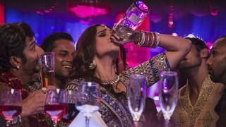Shocking! ये 7 बॉलीवुड एक्ट्रेसेस असल ज़िन्दगी में भी पीती हैं शराब