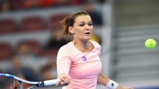 Agnieszka Radwanska beats Johanna Konta to take China Open tennis title