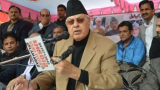 Farooq Abdullah asks India, Pakistan to resolve issue in peaceful way, refuses to comment on Uri attacks