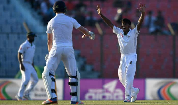 England leads Bangladesh after 1st innings