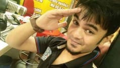 RJ Shubham Keche of Radio Mirchi Nagpur passes away of heart attack while on air! Condolences pour in on Twitter!