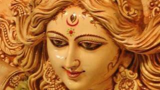 Shardiya Navratri 2019: नवरात्रि में रोज जपें मां दुर्गा के 108 नाम, दूर होंगे सभी कष्ट...