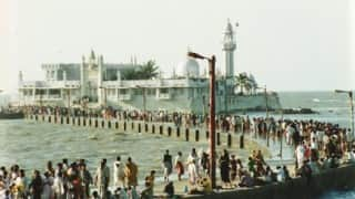 Haji Ali Dargah Trust agrees to allow entry of women inside sanctum sanctorum