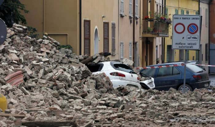 Quake rattles central Italy, Rome, shaking historic palazzi