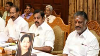 Tamil Nadu: Panneerselvam chairs cabinet meeting with Jayalalithaa's photo in front of him