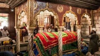 ऐतिहासिक फैसला : ट्रस्ट को देना पड़ा हाजी अली दरगाह में महिलाओं को प्रवेश की अनुमति