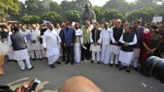 Demonetisation war: Post unimpressive 'Aakrosh Diwas', Opposition in huddle again