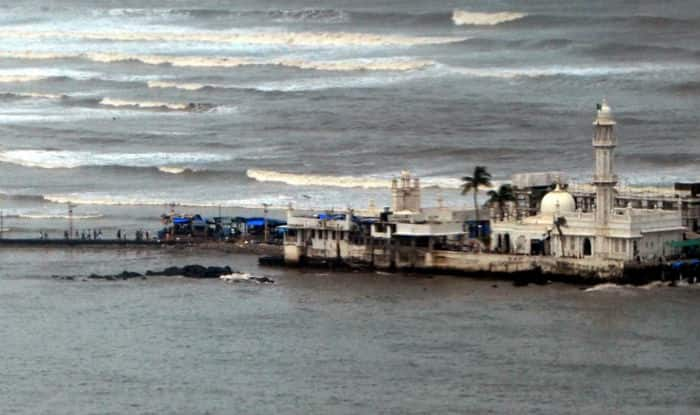 Women re-enter Haji Ali Dargah inner sanctum after 5 years