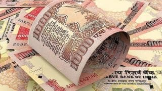 Rs 4 crore-worth scrapped bank notes seized from Maharashtra trader