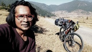 This poet cycling across Uttarakhand to popularise Hindi literature, tells us how common man is suffering under demonetisation