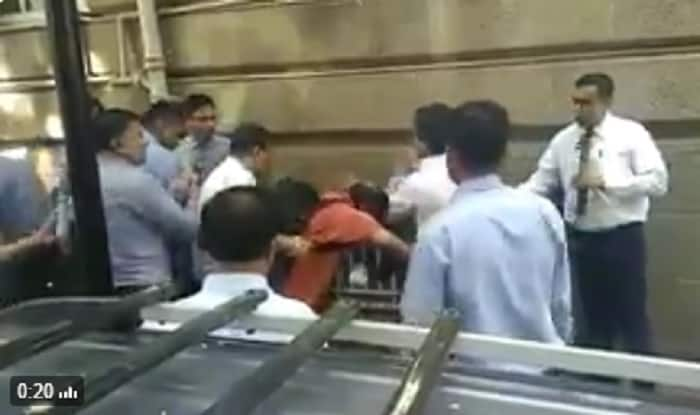 Photographers Beaten Up By Tata Security Guards Outside Bombay House (Watch  Video)