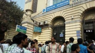 New Rs 500, Rs 2000 currency notes out; long queues at banks to exchange old notes