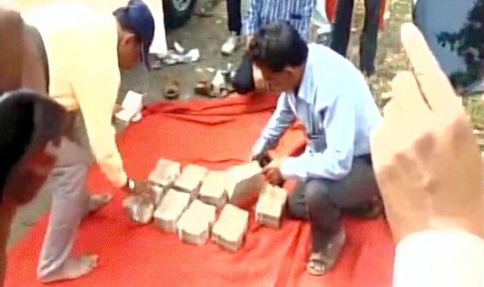 Demonetisation: Rs 92 lakh cash seized from car of BJP minister Subhash Deshmukh