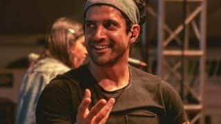 Farhan Akhtar Finds THIS Treasure in Pool And  Hrithik Roshan Doubles Down in Laughter!