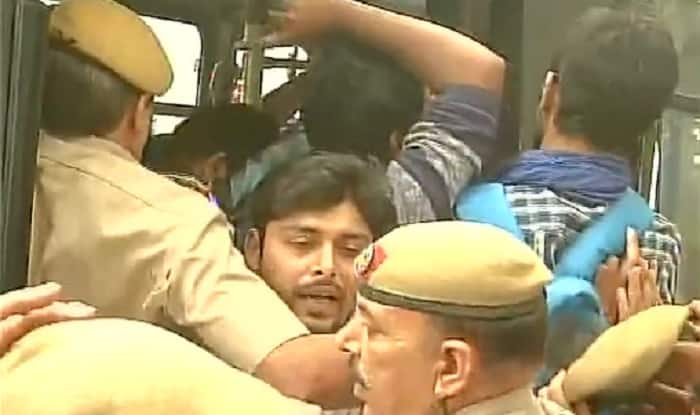 JNU students, Najeeb's mother detained in Delhi before protest