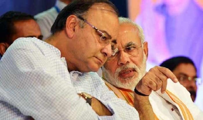 पीएम नरेंद्र मोदी के साथ वित्त मंत्री अरुण जेटली (फाइल फोटो)
