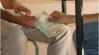 Maharashtra: Woman Constable Tries to Chew, Swallow Rs 300 Bribe When Caught