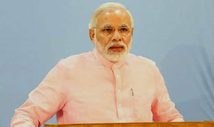Narendra Modi bats for poor, lays emphasis on cashless society