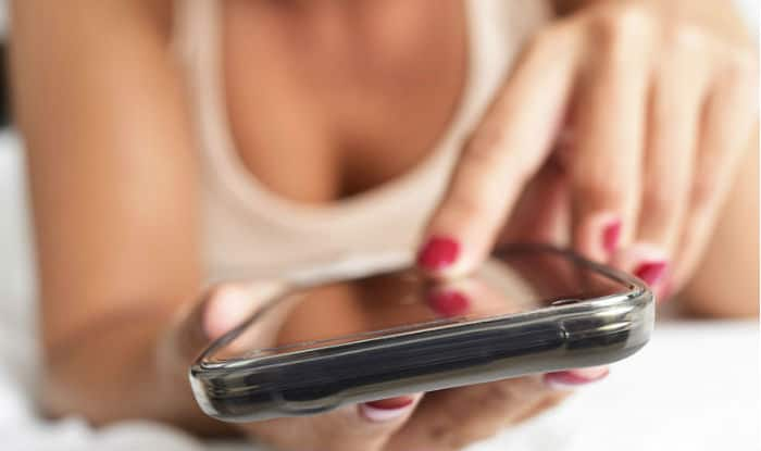 What does the word sexting mean