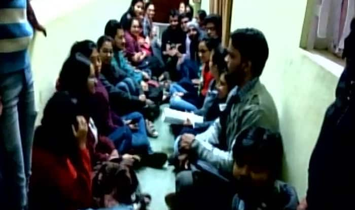 IIT Kharagpur students protest fee hike, go on hunger strike