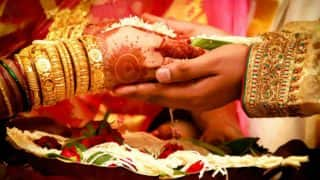 Female Priest in Kolkata Performs Wedding Ceremony Without Patriarchal Concept of Kanyadaan