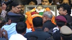 Jayalalithaa Refused to go to Hospital After Collapsing in Washroom, VK Sasikala Tells Panel Probing Former Tamil Nadu CM's death