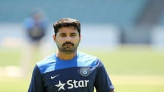 Watch: Local boy Murali Vijay stays back to thank groundsmen and pitch curator