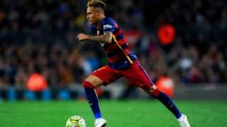 Neymar says he doesn't play for individual honours