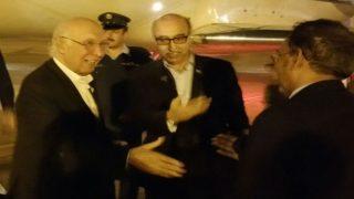 Pakistan Foreign Affairs Advisor Sartaj Aziz arrives in Amritsar for Heart of Asia summit before schedule, may meet Narendra Modi