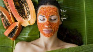 Papaya for Skin and Hair: स्किन और बालों के लिए बेहद फायदेमंद है पपीता, इन DIY तरीकों से बनाएं मास्क