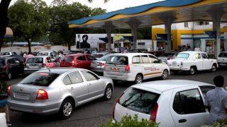 दिल्ली में आज सभी पेट्रोल पंप बंद, मंगलवार सुबह 5 बजे तक नहीं मिलेगा पेट्रोल-डीजल