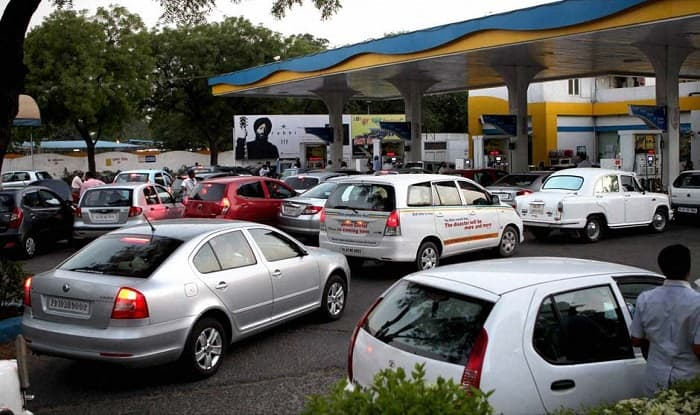 Petrol pumps won't accept card payment from Monday: Dealers' association