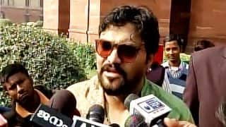 West Bengal Clashes: Union Minister Babul Supriyo Threatens Protesting Locals in Asansol, Says I Will Rip Your Skin Off