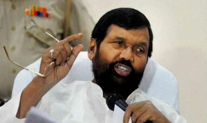 Restaurants cannot decide how much service charge to be paid by customers: Food Minister Ram Vilas Paswan