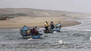 3 हजार भारतीय मछुआरों को श्रीलंका की नौसेना ने खदेड़ा, फाड़े जाल, पहुंचाया नुकसान