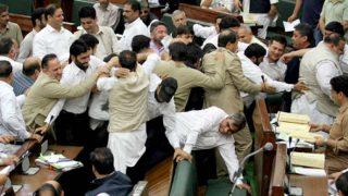 जम्मू कश्मीर: विधानसभा में अनुच्छेद 370 के मुद्दे पर भारी हंगामा, पारित किये गए ये बिल