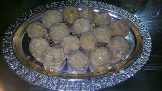 Lohri Sweets Recipes: Here's how to make besan pinnis and suji, gur ka halwa!