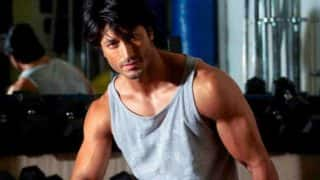 Commando 2 poster is out and Vidyut Jammwal hasn't looked hotter!