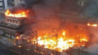 मुंबई: दानाबंदर इलाके की झुग्गी बस्ती में भीषण आग, कई घायल, रेल सेवा प्रभावित